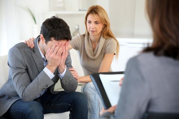 Девушка общается с бывшим совет психолога